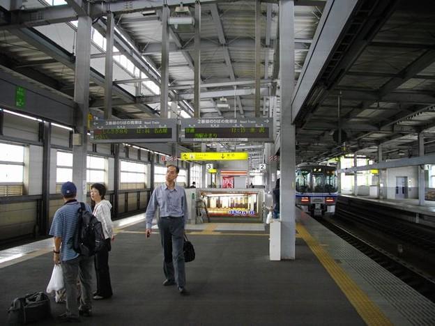 小松駅ホーム