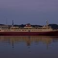 写真: 羊蹄丸 starboard side