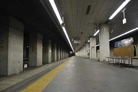 何も無いプラットホーム、成田方面@東成田駅[7/30]
