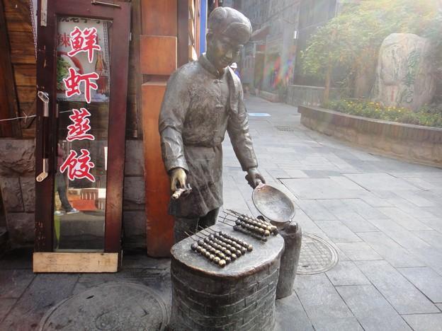 青島 老外街 3 銅像