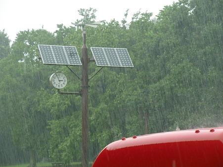 雷雨の園内4020