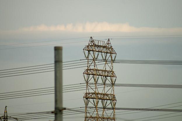 高圧電線の鉄塔
