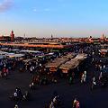 夕方の広場