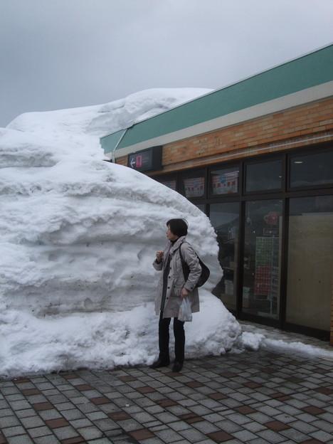 こんな雪がまだいたるところに