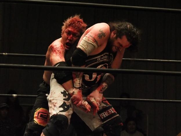 Photos: 竹田誠志vsMASADA  FREEDOMS 葛西純プロデュース興行 Blood X'mas 2011 (8)