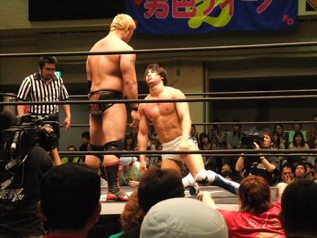 "DDT ""What are you doing 2012"" KO-D無差別級選手権試合 火野裕士vs飯伏幸太 (6)"