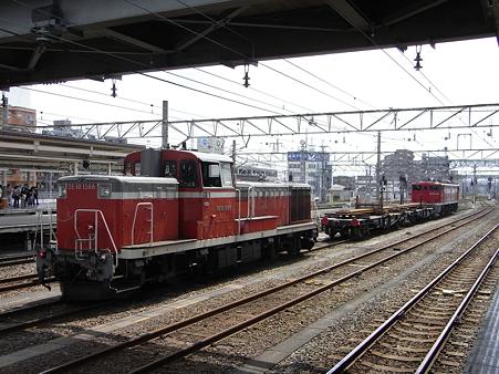 EF65-1118とチキとDE10-1566(八王子駅)3