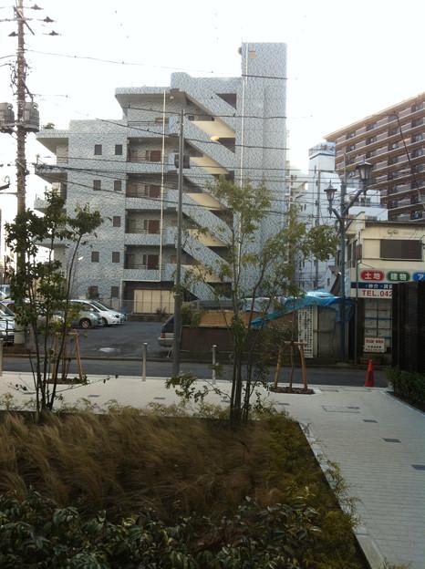 駅前の閑静な住宅地