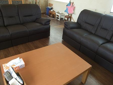 新品ソファー