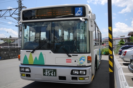 Photos: 富士急山梨バス F8561