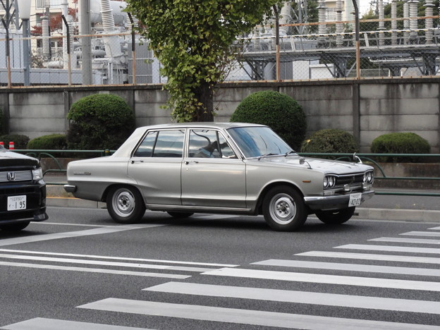 日産 スカイラインC10型(3代目)
